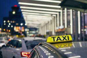 Taxi na Letišti Václava Havla. Foto: Letiště Praha