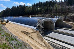 Práce na ekoduktu na D1. Foto: Skanska