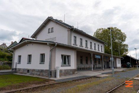 Opravená výpravní budova v Sedlčanech. Foto: Správa železnic