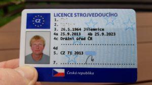 Licence strojvedoucího, ilustrační foto. Pramen: Drážní úřad