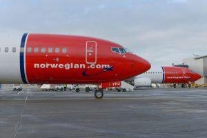 Boeingy 737-800 společnosti Norwegian Air Shuttle na letišti Gatwick. Foto: Simon Wright / Norwegian.com