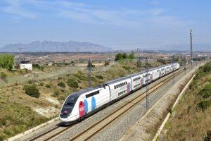 Souprava Euroduplex společnosti Ouigo mezi Barcelonou a Madridem. Foto: Ouigo Espaňa