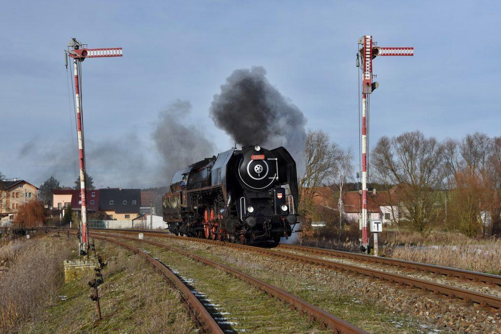 Parní lokomotiva 475.101. Pramen: FB ČD Nostalgie