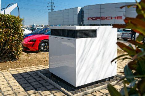 Dobíjecí stanice Porsche na Proseku. Pramen: ČEZ ESCO