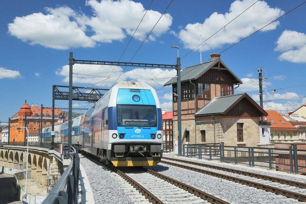 Jednotka CityElefant na Negrelliho viaduktu. Foto: České dráhy