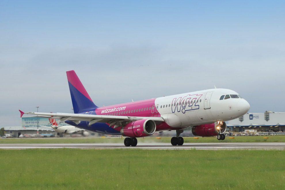 Airbus A320 společnosti Wizz Air v Praze. Foto: Letiště Praha