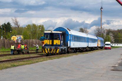 Přeprava lůžkových vozů WLABee. Foto: Dalibor Palko