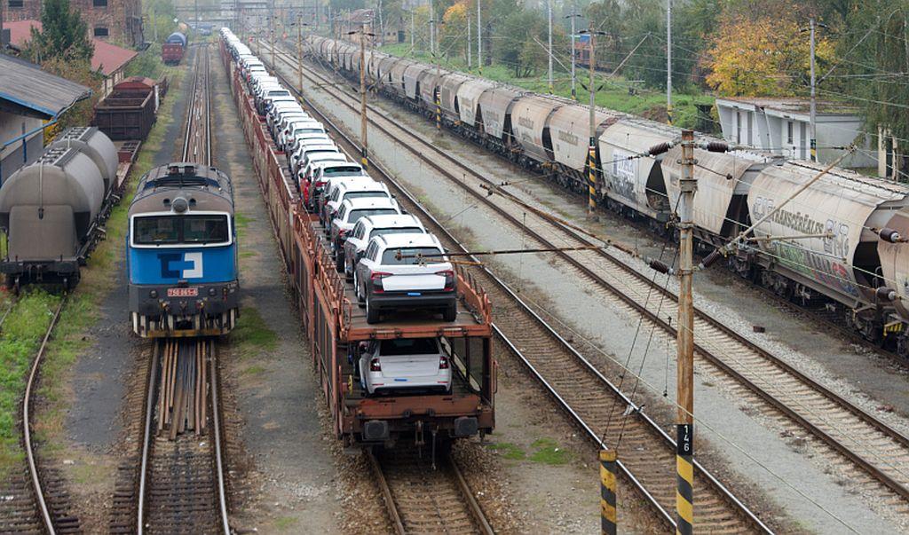 Stanice Děčín východ - dolní nádrží. Pramen: Správa železnic