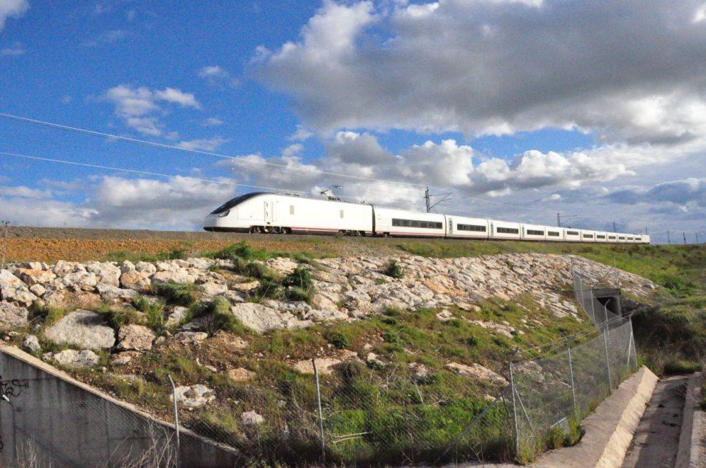 Vysokorychlostní vlak Talgo Avril při testování na rychlost 360 km/h. Foto: Talgo
