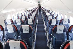 Interiér A220-300 společnosti EgyptAir. Foto: Letiště Praha
