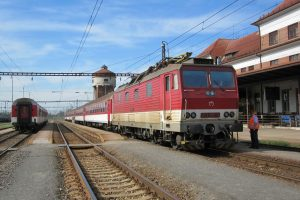 Vlak ZSSK ve stanici Kúty. Foto: Phil Richards / Flickr.com