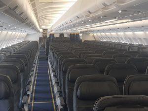 Ekonomická třída v A330-200 společnosti Luke Air. Foto: Jan Sůra / Zdopravy.cz