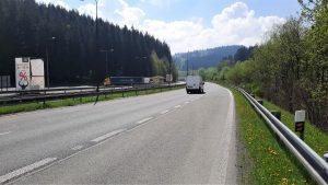 Silnice I/11 u hranic se Slovenskem, kde vznikne ekodukt. Pramen: ŘSD