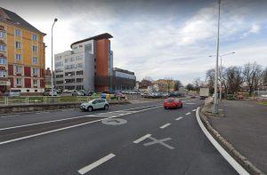 Místecká ulice v místech, kde ji čeká velká proměna. Foto: Google Street View