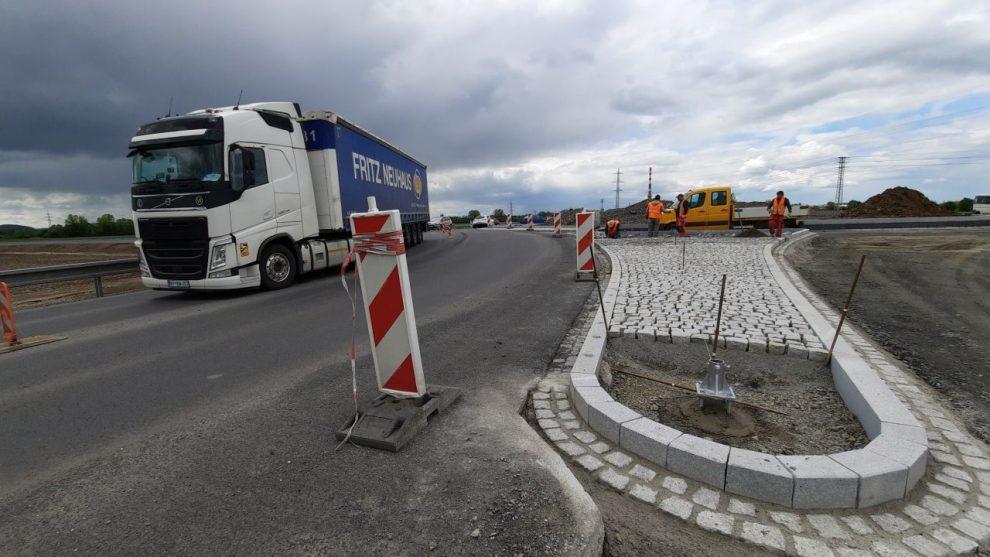 Stavba nové křižovatky v Opavě na silnici I/11. Foto: ŘSD