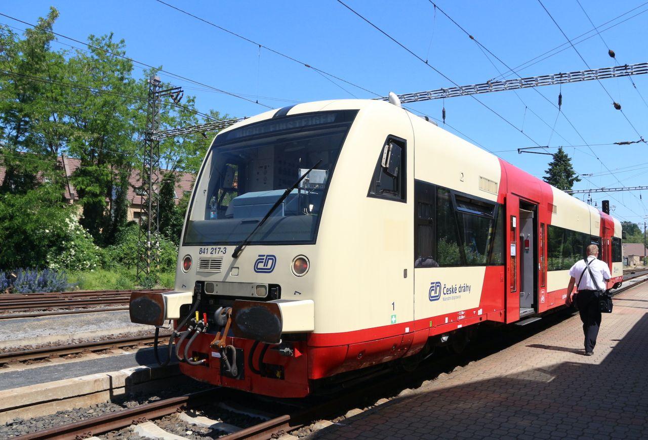 Motorový vůz Stadler RS1 v Postoloprtech. Foto: České dráhy