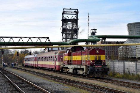 Báňské spěšné vlaky v Ostravsko-karvinském revíru. Foto: Jan Šantrůček