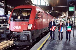 Odjezd prvního vlaku z Vídně do Terstu. Foto: ÖBB