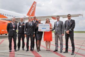 První let easyJetu mezi Prahou a Barcelonou. Foto: Letiště Praha