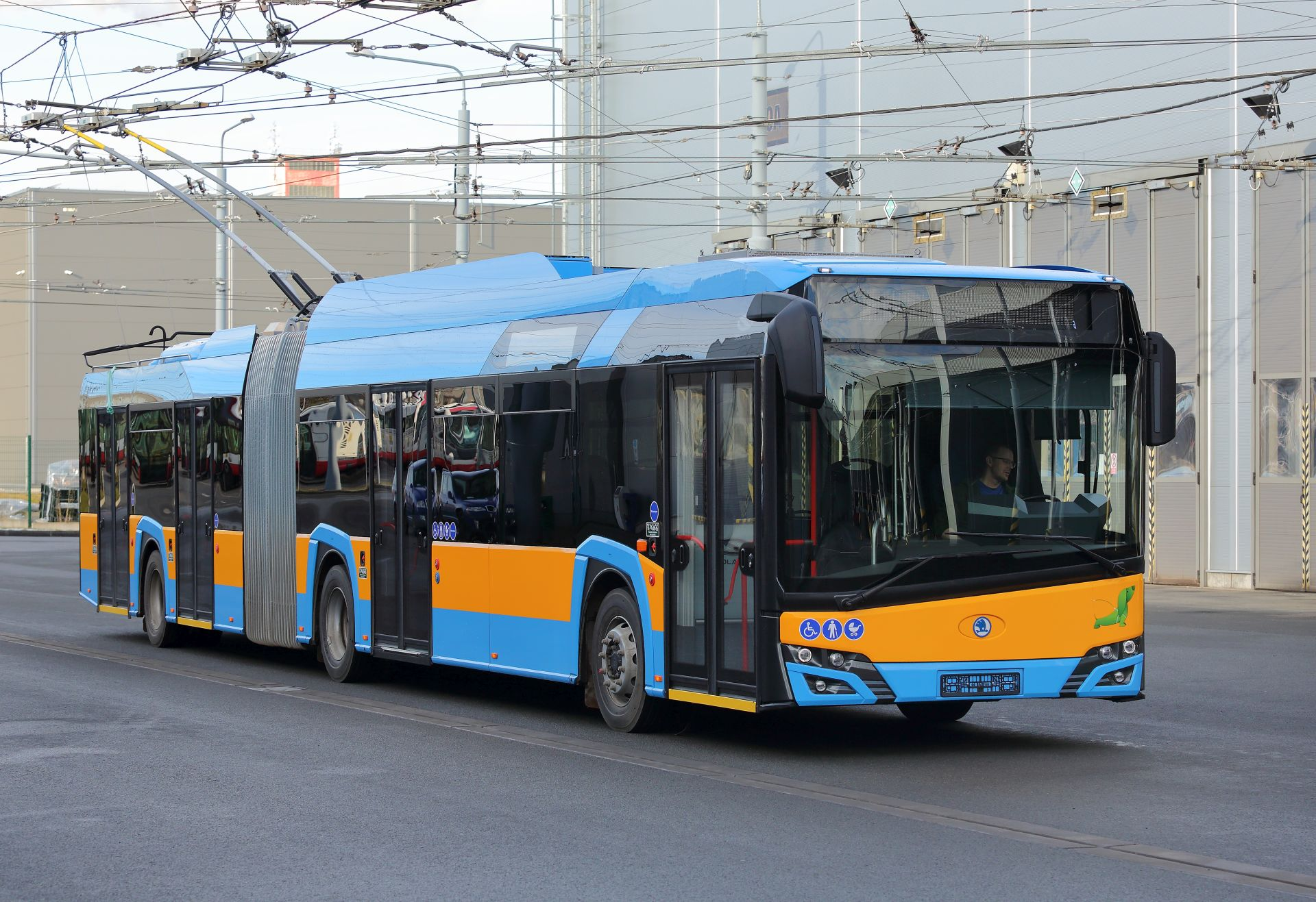 Trolejbus Škoda 27Tr pro Sofii. Pramen: Škoda Electric