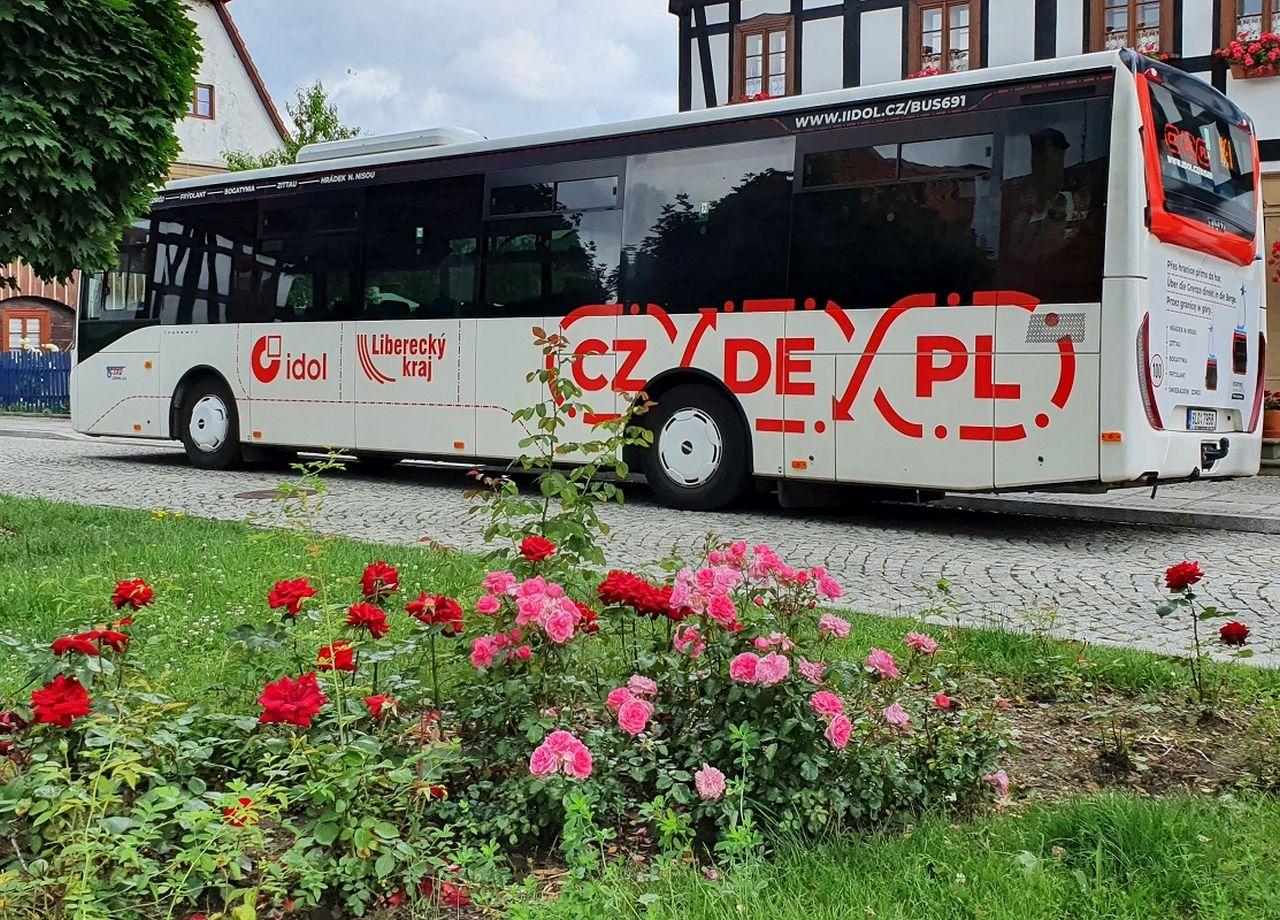 Autobus pro mezinárodní autobusovou linku napříč třemi zeměmi. Foto: Liberecký kraj