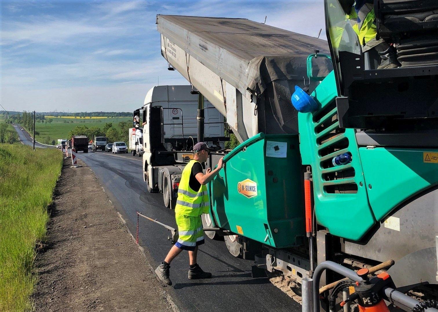 Oprava silnice, ilustrační foto.. Pramen: ŘSD