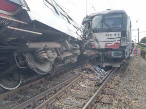 Srážka lokomotivního a osobního vlaků v Němčicích nad Hanou. Foto: Drážní inspekce