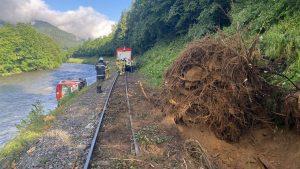 Vykolejení vlaku v údolí řeky Mur. Foto: Hasiči Tamsweg