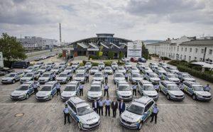 Předání policejních aut. Foto: Škoda Auto