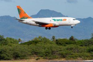 Boeing 737-200C společnosti Transair. Foto: AeroIcarus / Flickr.com