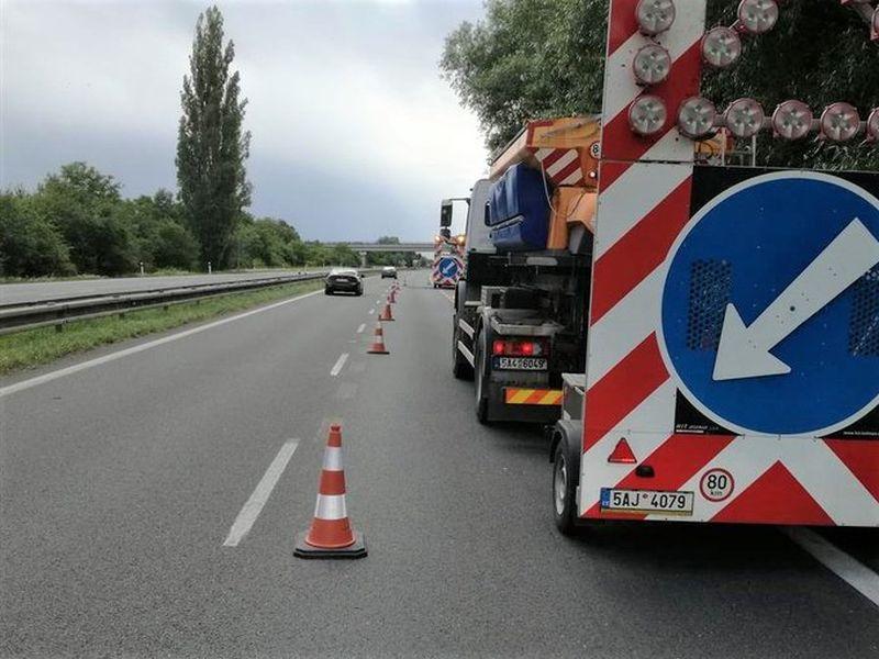 Opravy na dálnici D11. Pramen: ŘSD