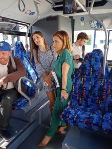 Šéfka Icom Transport Kateřina Kratochvílová v autobuse Citaro. Pramen: Icom