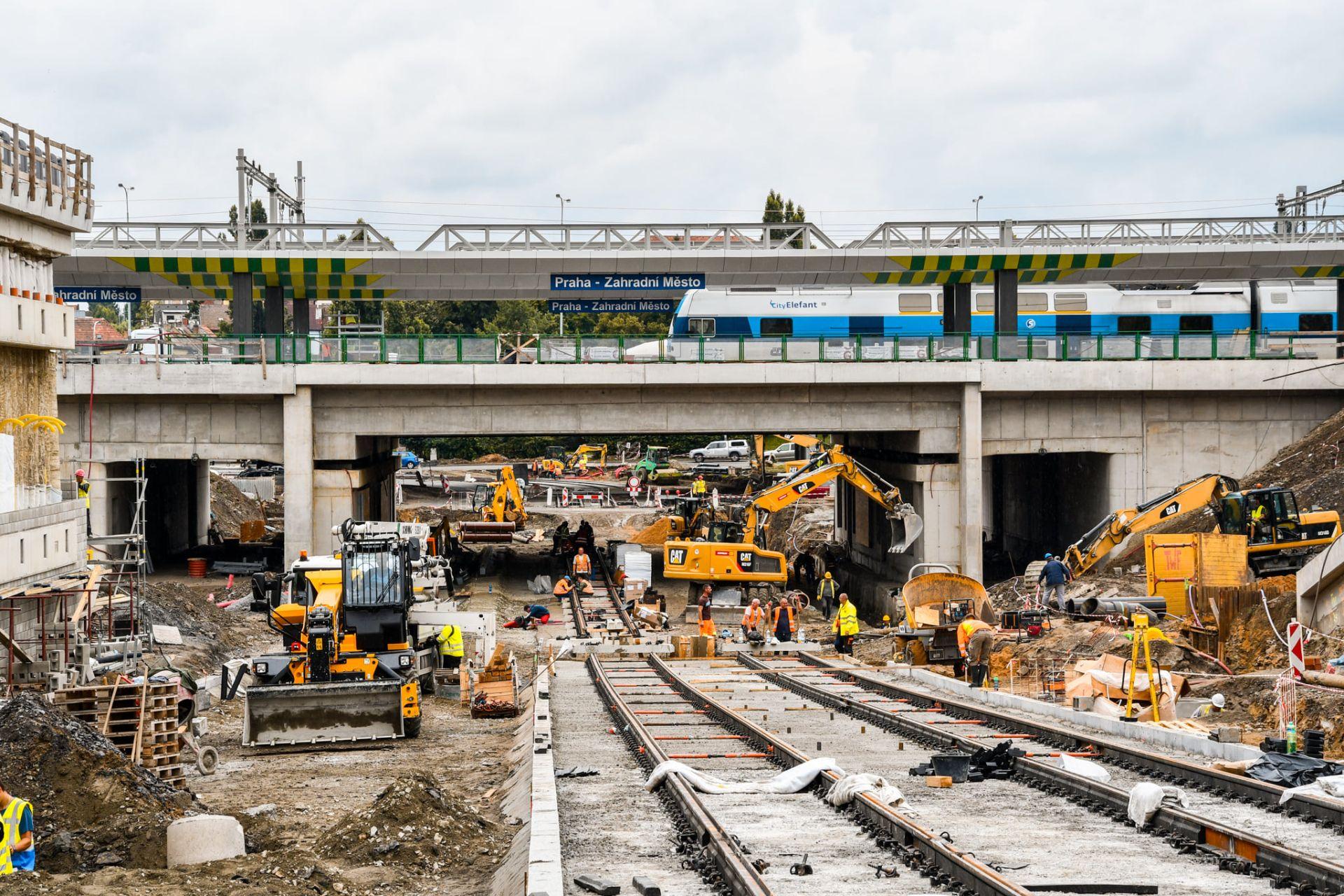 Výstavba terminálu Zahradní Město. Pramen: ROPID