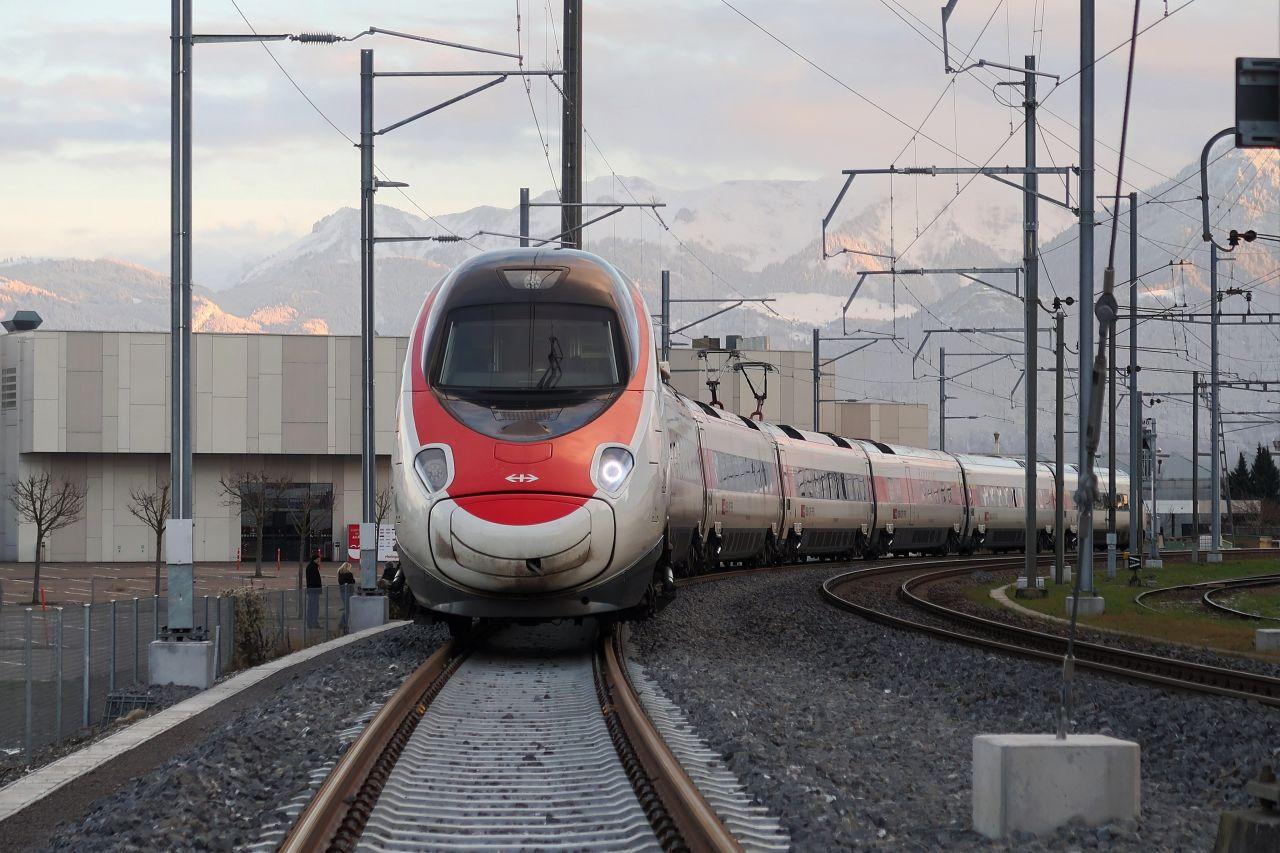 Elektrická jednotka ETR610 Astoro jako vlak EC Curych - Mnichov. Foto: Kecko / Flickr.com