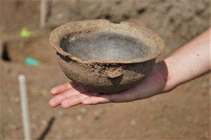 4000 let stará miska. Pramen: ŘSD