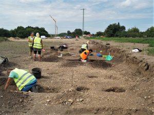 Archeologické vykopávky na obchvatu Církvice. Pramen: ŘSD