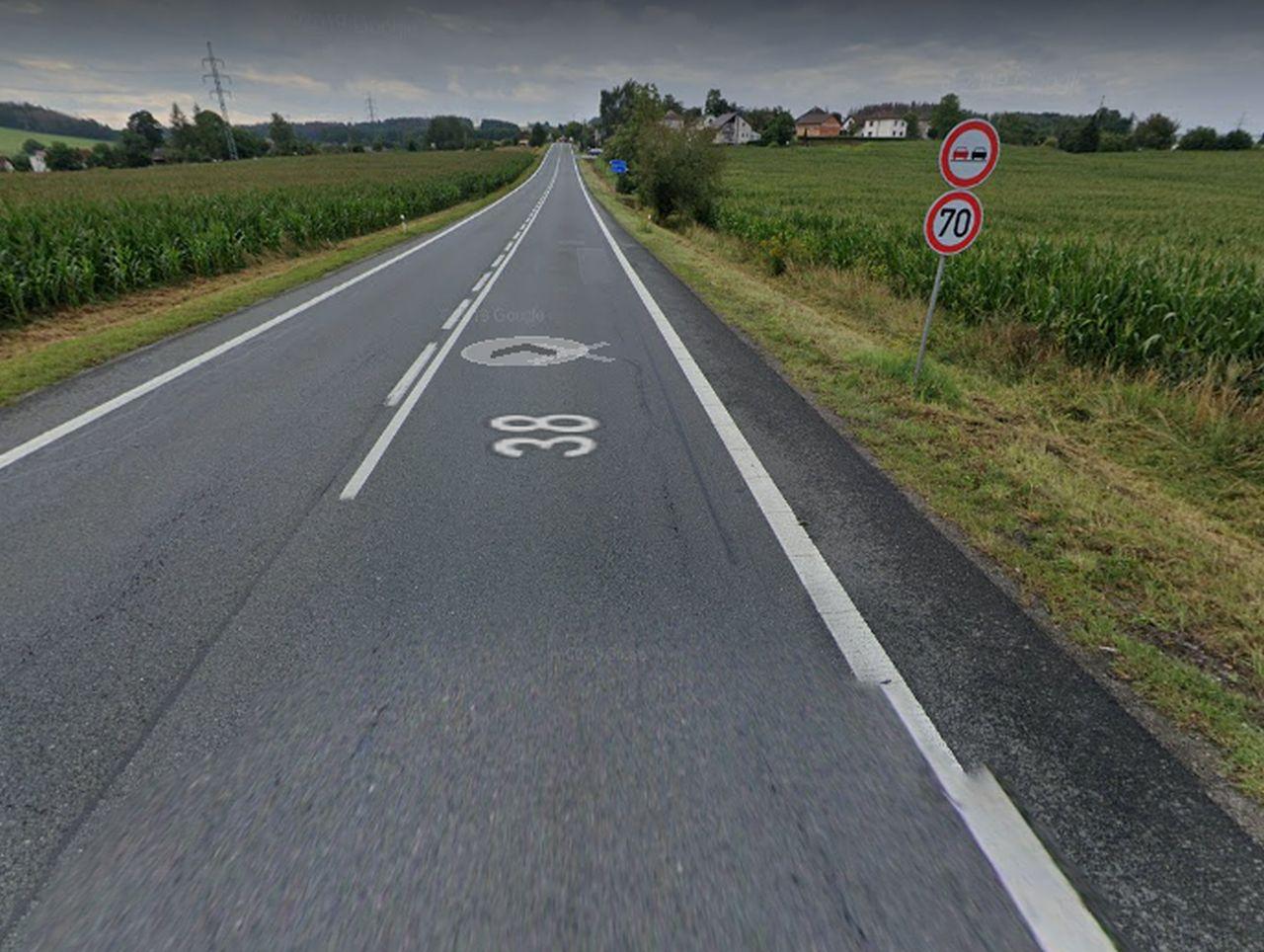 Silnice I/38 ve směru z Havlíčkova Brodu do Jihlavy u Svatého Kříže. Foto: Google Street View