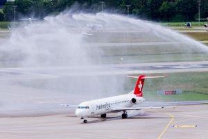 Fokker 100 společnosti Helvetic Airways. Místo nich si dopravce koupil nové embraery. Foto: Helvetic Airways