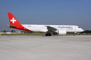 Embraer E-Jet E2 společnosti Helvetic Airways v Praze. Foto: Letiště Praha