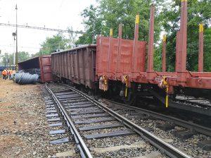 Vykolejení nákladního vlaku v Kralupech nad Vltavou. Foto: Zdopravy.cz
