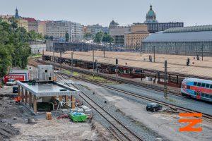Stavba podchodu na Hlavním nádraží v Praze. Pramen: Správa železnic