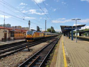 Lokomotiva Bombardier TRAXX MS3 v čele vlaku RegioJet ve stanici Brno - Královo Pole. Foto: Jan Sůra / Zdopravy.cz