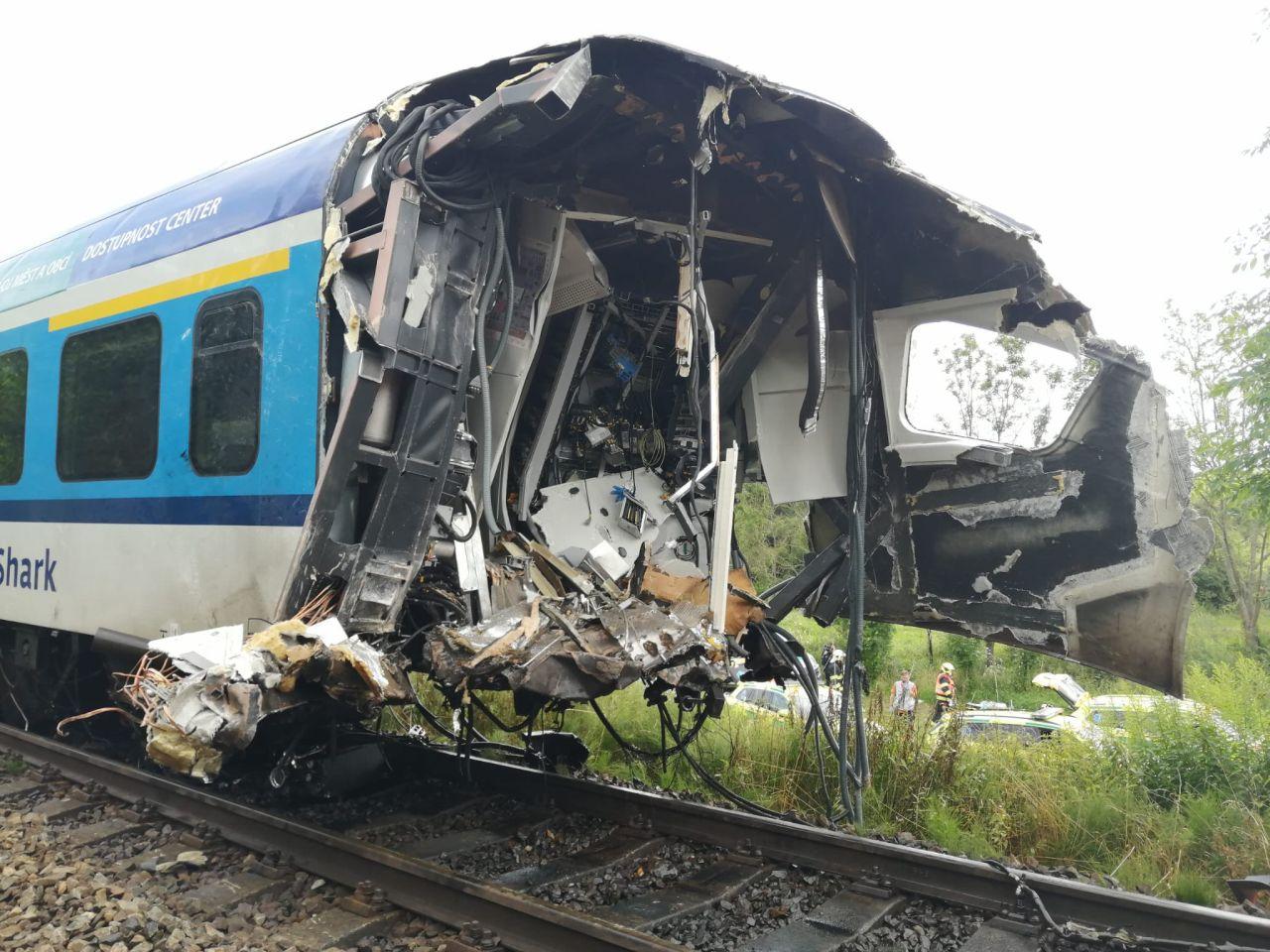 Motorová jednotka 844 RegioShark po srážce vlaků u Domažlic. Foto: Správa železnic