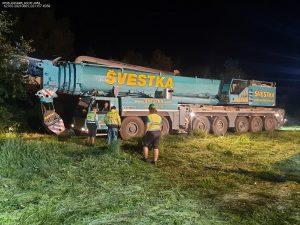 Odstraňování trosek vlaků po srážce na domažlické trati. Pramen: Správa železnic