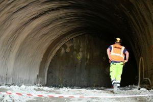 Ražba tramvajového tunelu na Žabovřeské. Pramen: ŘSD