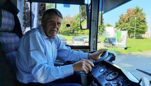 Řidič Miroslav Lerch řídí trolejbusy v brněnské MHD už 50 let. (13. 9. 2021). Pramen: DPMB