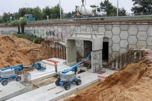 Modernizace uzlu Pardubice, září 2021 - stavba mostu U Trojice. Pramen: Správa železnic