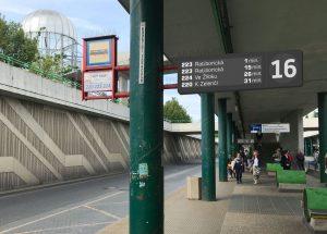 Nový informační panel na terminálu Černý Most. Foto: Ropid