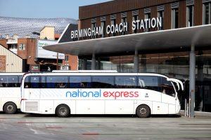Autobus National Express v Birminghamu. Foto: Shaun Fellows / Shine Pix Ltd
