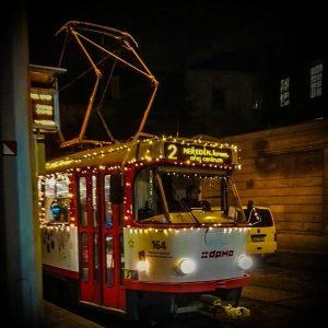 Vánoční tramvaj v Olomouci. Foto: DPMO
